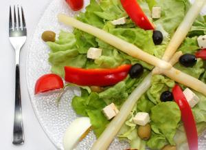 Cholestereinarm essen heißt vor allem mehr pfanzliche Kost,  (c) Margot Kessler / pixelio.de