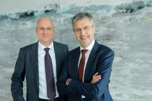 Martin Litsch (re) und Jens Martin Hoyer (li) - Vorstände des AOK Bundesverbandes,  (c) AOK Bundesvorstand