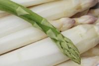 Egal, ob grün, weiß oder violett - Spargel ist gesund.