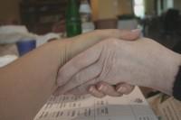 In der Pflege herrscht vielerorts Personalnotstand