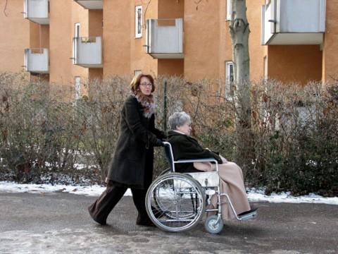 Bild zum Beitrag Pflegeunterstützungsgeld wird ausgeweitet: Zahlung an Angehörige nun 20 Tage möglich