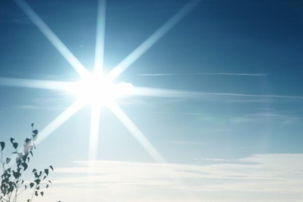 Intensive UV-Strahlung der Sonne erzeugt Hautkrebs
