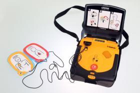 Defibrilator - Lebensrettung bei Herz- / Atemstillstand