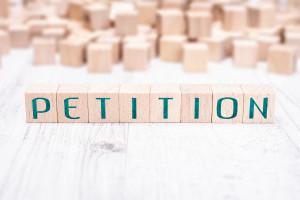 Petition zur Hilfsmittel Versorgung und Prüfung durch den MDK,  (c) Getty Images / Devenorr
