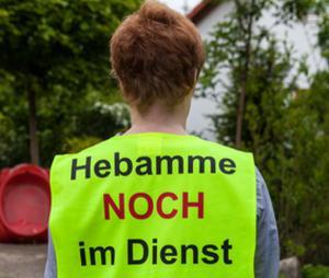 Hebammen sind als Berufsstand in Deutschland gefährdet , © fotolia.de / lebkuchen53
