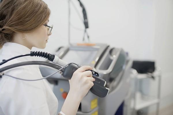 Laserbehandlung basiert auf High Tech