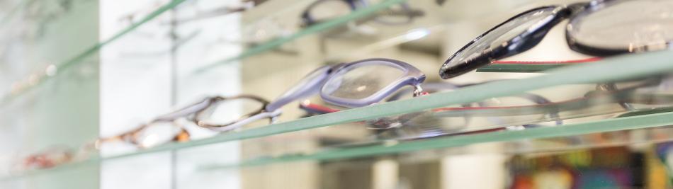 Was zahlt die Krankenkasse für Brillen oder Kontaktlinsen?