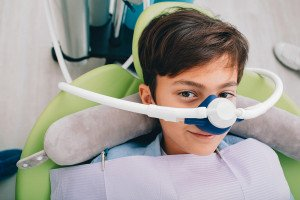 Sedierung mit Lachgas beim Zahnarzt , (c) getty Images / peakSTOCK