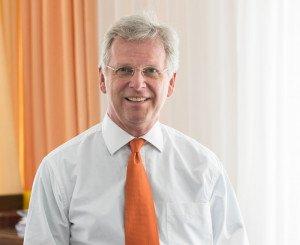 Dr. med J. Graf von Fickenstein